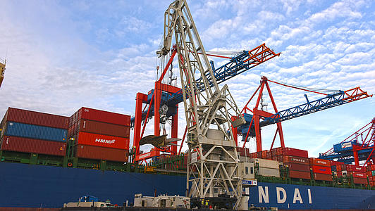 History of the floating cranes